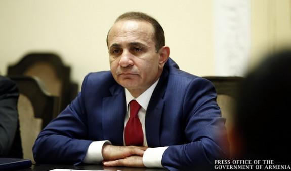 «Айкакан жаманак»: Овик Абраамян продал 50% акций «Артфуда»