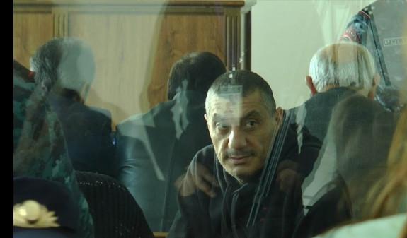 Տուժած ոստիկան.կրակահերթ արձակած անձինք եղել են Արայիկ Խանդոյանը և Արմեն Բիլյանը