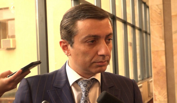 Мигран Погосян допрошен по делу о нападении на демонстрантов в Ереване