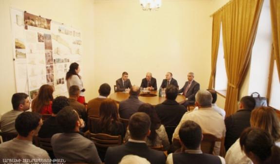 Бако Саакян отметил важную роль туризма в деле социально-экономического развития Арцаха