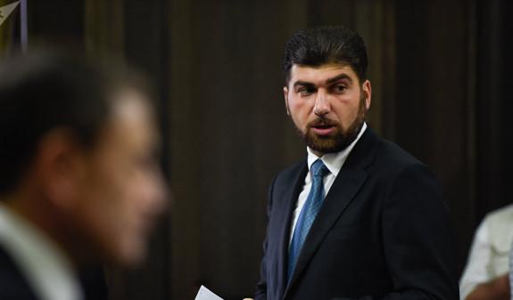 Давид Санасарян подал в суд на Комиссию по этике высокопоставленных чиновников