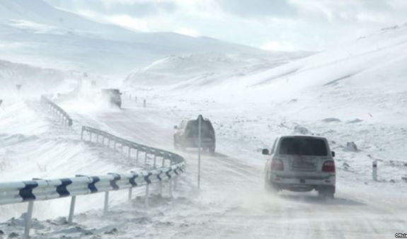 Движение автомобилей на ряде дорог в Армении затруднено - МЧС