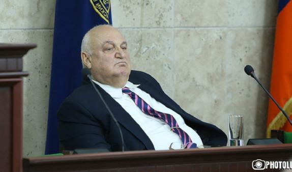 """""""Подтекста нет"""": Арам Симонян о своем неучастии во встрече с премьером в ЕГУ(Видео)"""
