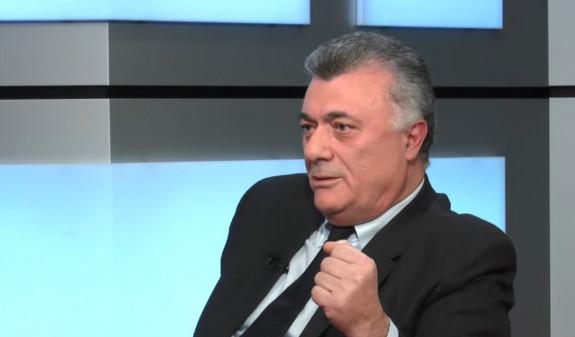 Անհավասարակշիռ մերժվածը. Ռուբիկ Հակոբյանը Քոչարյանին սատարելու համար ընկել է դռնեդուռ. «Ժամանակ»