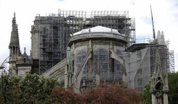 Более тысячи экспертов призвали Макрона обдуманно подойти к восстановлению Нотр-Дама - СМИ