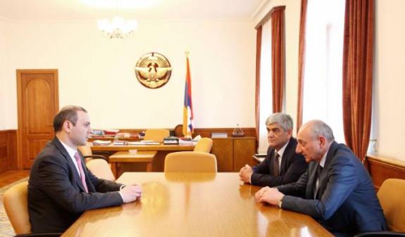 Президент Арцаха встретился с секретарем Совбеза Армении