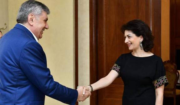 Анна Акопян и глава Союза армян России Ара Абрамян обсудили вопросы сотрудничества