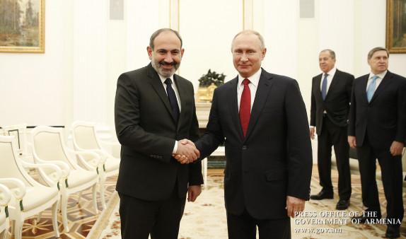 Пашинян планирует встретиться с Путиным в Санкт-Петербурге