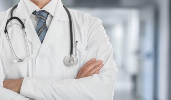 Американского врача обвинили в убийстве 25 пациентов