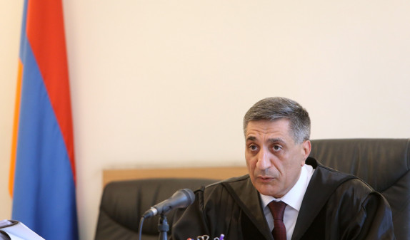 Защита Роберта Кочаряна требует отвода судьи