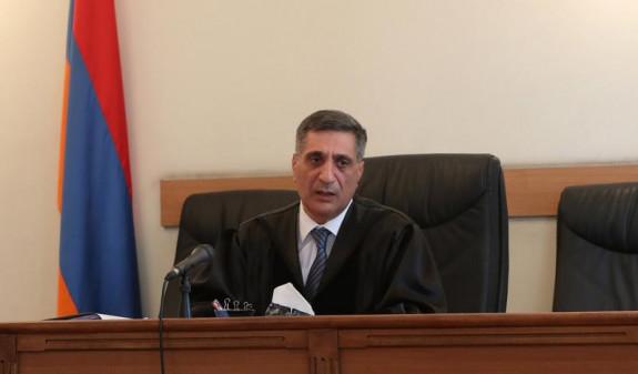 Суд отклонил ходатайство адвокатов второго президента Армении Роберта Кочаряна об отводе судьи