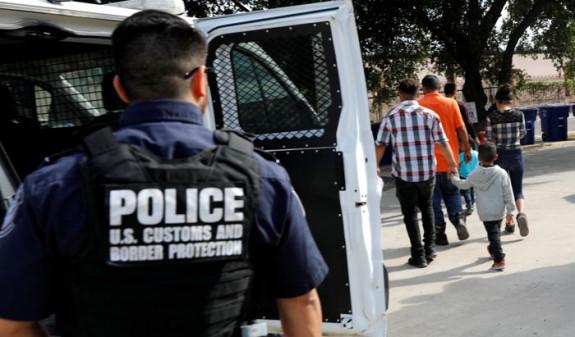 Дональд Трамп анонсировал массовую депортацию мигрантов на следующей неделе