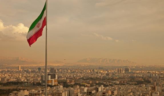 Тегеран стремится снизить напряженность на Ближнем Востоке, заявили в Иране