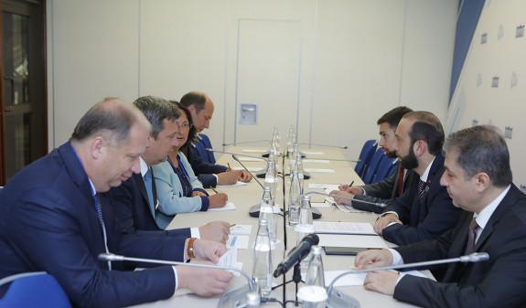 Спикер парламента Армении заявил о важности углубления отношений со Словакией