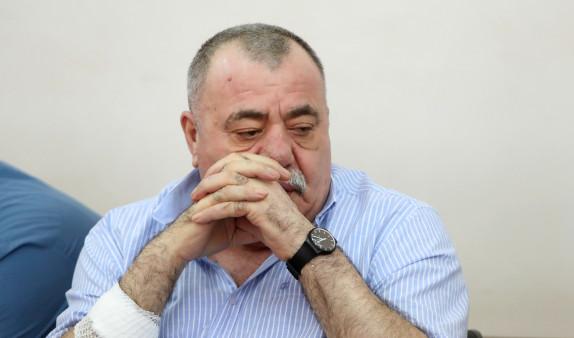 Суд в Ереване отложил слушания по делу Манвела Григоряна и его жены