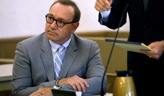 Прокуроры закрыли дело актера Кевина Спейси о домогательствах