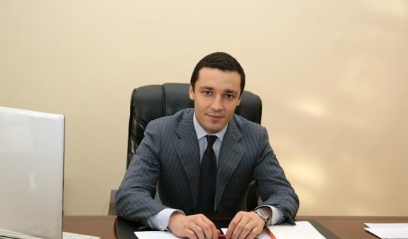 Бывшего и.о. ректора АГЭУ заподозрили в злоупотреблении должностными полномочиями