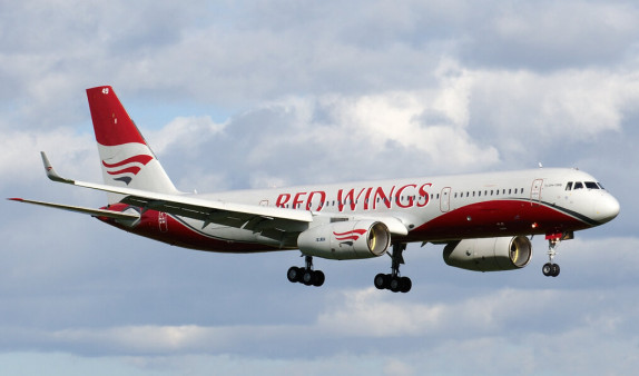 Летевший из Москвы в Анталью самолет совершил вынужденную посадку в Краснодаре