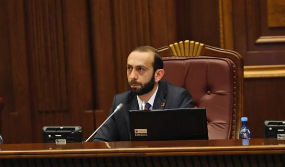 Спикер парламента Армении прокомментировал решение КС по заявлению Роберта Кочаряна