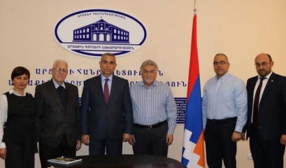 Глава МИД Арцаха встретился с представителями руководства партии «Рамкавар Азатакан»