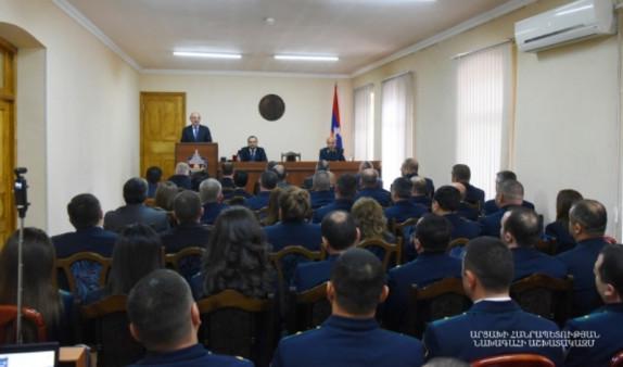Президент Арцаха поздравил сотрудников Прокуратуры с профессиональным праздником и вручил госнаграды