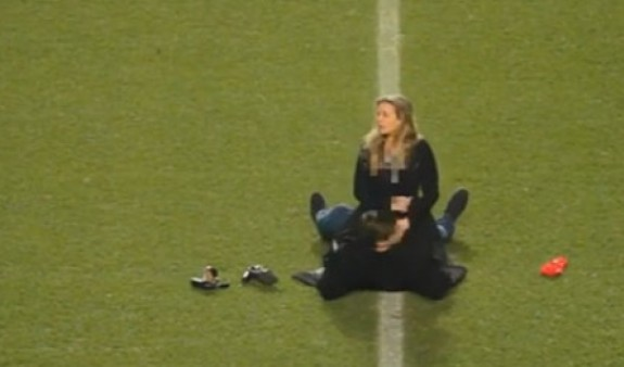 секс на футбол поле - 6