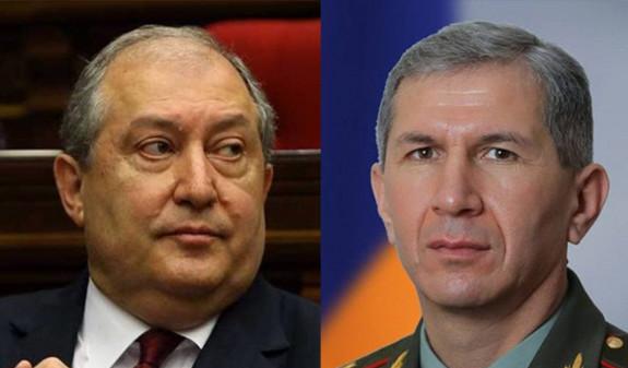 Արմեն Սարգսյանը Օնիկ Գասպարյանին համոզել է հրաժարական տալ. ԳՇ պետը մերժել է՝ հորդորելով նրան դադարել «փաստաբանություն անել դավաճանի համար»