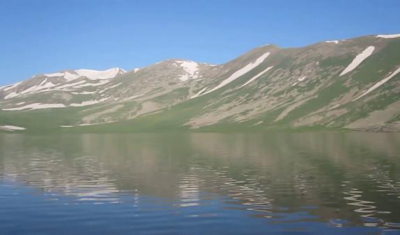 Ադրբեջանցիները դիտավորյալ հրդեհել են Սև լճի հարակից խոտածածկ տարածքը. Այն շարժվում է հայկական դիրքերի ուղղությամբ