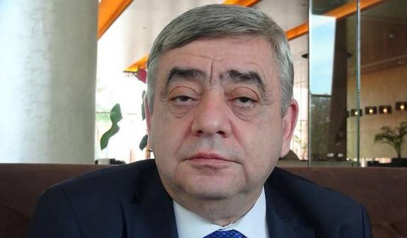 Սուտ է,թե Միլենկովսկու ձերբակալությունը կապված է Լյովա Սարգսյանի կողմից Հայաստանից վարձու ինքնաթիռով և կեղծ անձնագրով դուրս գալուն օժանդակելու հետ