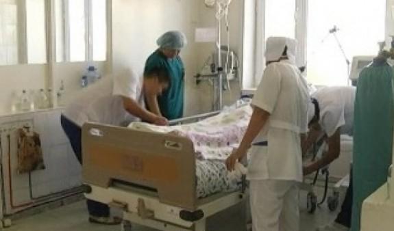 Զինված հարձակում. ծաղկամանով հարվածել  է 25-ամյա աղջկան, սակայն դիպել է պատից կախված սրբապատկերին